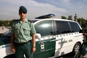 La Guardia Civil detiene al conductor de un transporte escolar, que llevaba 9 niños, superando, en más de 5 veces, el límite de alcoholemia permitido