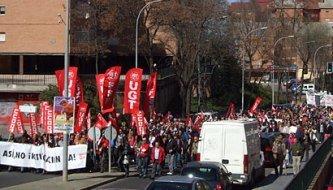 2.500 personas según los sindicatos, 1500 según la Delegación del Gobierno se manifiestan en Guadalajara contra la Reforma Laboral