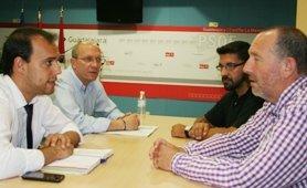 El PSOE recaba apoyos para su propuesta de reindustrialización del Corredor