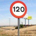 """El ministro de Interior, """"abierto"""" a incrementar el límite de velocidad en autovías y autopistas"""
