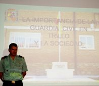 Charla sobre la importancia de la Guardia Civil en Trillo