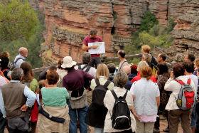 Medio centenar de biólogos y geólogos conocen el Geoparque de la Comarca de Molina y el Alto Tajo