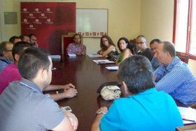 El alcalde de Azuqueca se reúne con el comité de empresa de Bormiolli