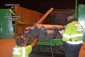 La Guardia Civil detiene en Trijueque a 2 personas por la sustracción de biondas y otros elementos de seguridad de las carreteras