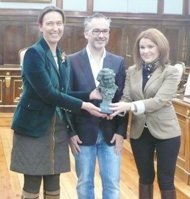La presidenta de la Diputación Provincial felicita a Pedro Solís por su reciente Goya al Mejor Corto de Animación