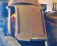Se toma una copa de más y termina con el coche empotrado en la boca de metro de Ruben Darío