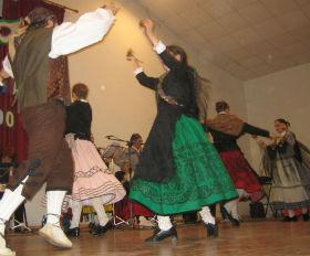 La Escuela de Folklore de la Diputación muestra al mundo el baile y la música tradicional de la provincia