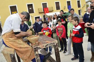 Éxito rotundo de la I Feria Medieval de Pareja