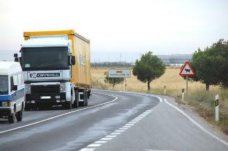 AVISO: Abierta al tráfico la CM-101 que ha permanecido cortada por el vuelco de un camión