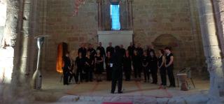 El Coro Universitario de Albacete contribuyó con su concierto al proyecto de restauración de la Iglesia de Santiago