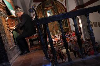 El órgano de Morillejo sembrará de Flores de Música de los jardines de palacio el Julio Cultural