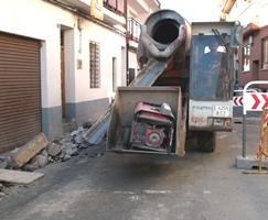 Dan comienzo las obras de remodelación de la céntrica calle de la Seda en Yunquera de Henares