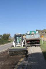 Comienzan las obras de pavimentación y construcción de un carril peatonal en la Calle Torrelaguna en Quer