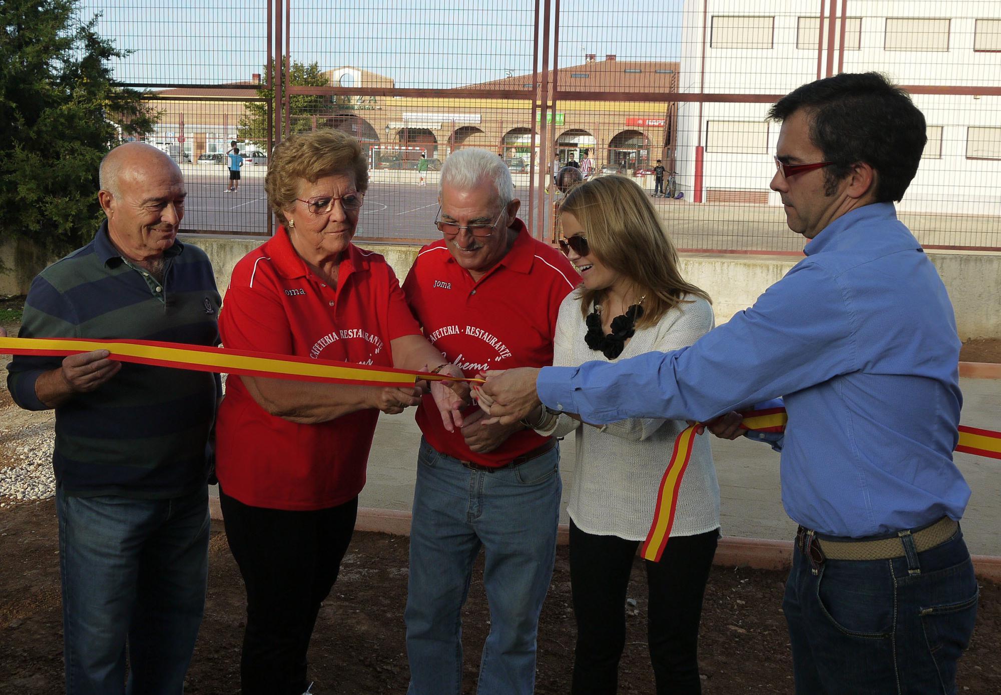 Tres nuevas pistas de petanca para Villanueva de la Torre inauguradas en el marco de la Semana del Mayor