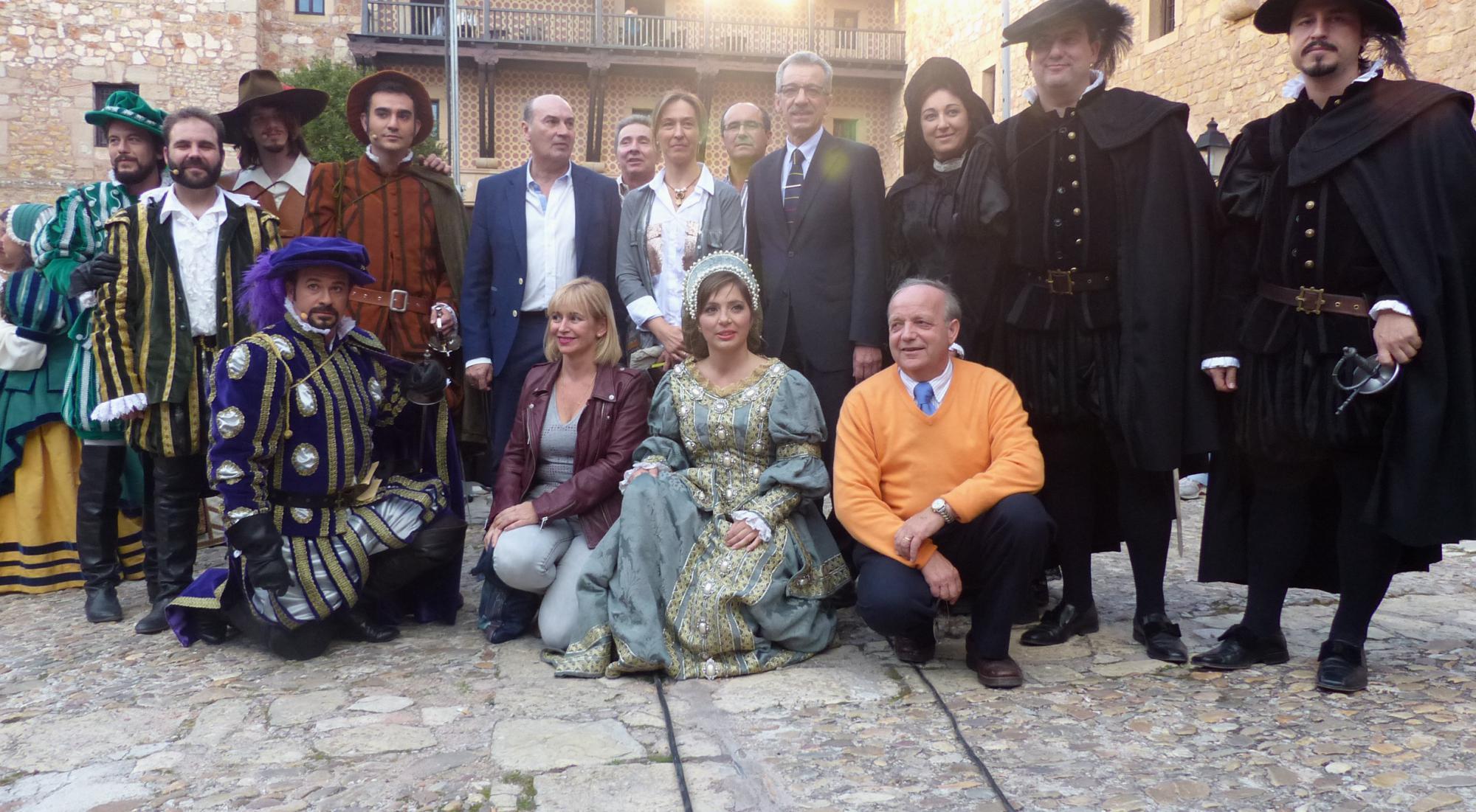 La presidenta de la Diputación disfruta del exitoso estreno en Sigüenza de 'El Tenorio Mendocino'