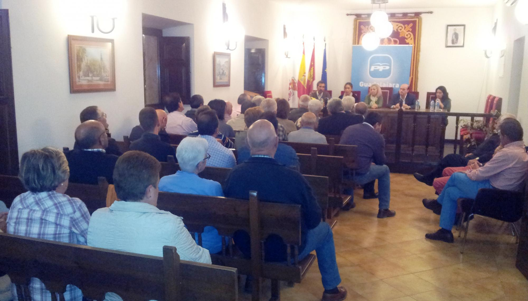 """Guarinos: """"Con los gobiernos del PP, España, Castilla-La Mancha y Guadalajara seguirán creciendo y creando empleo"""""""