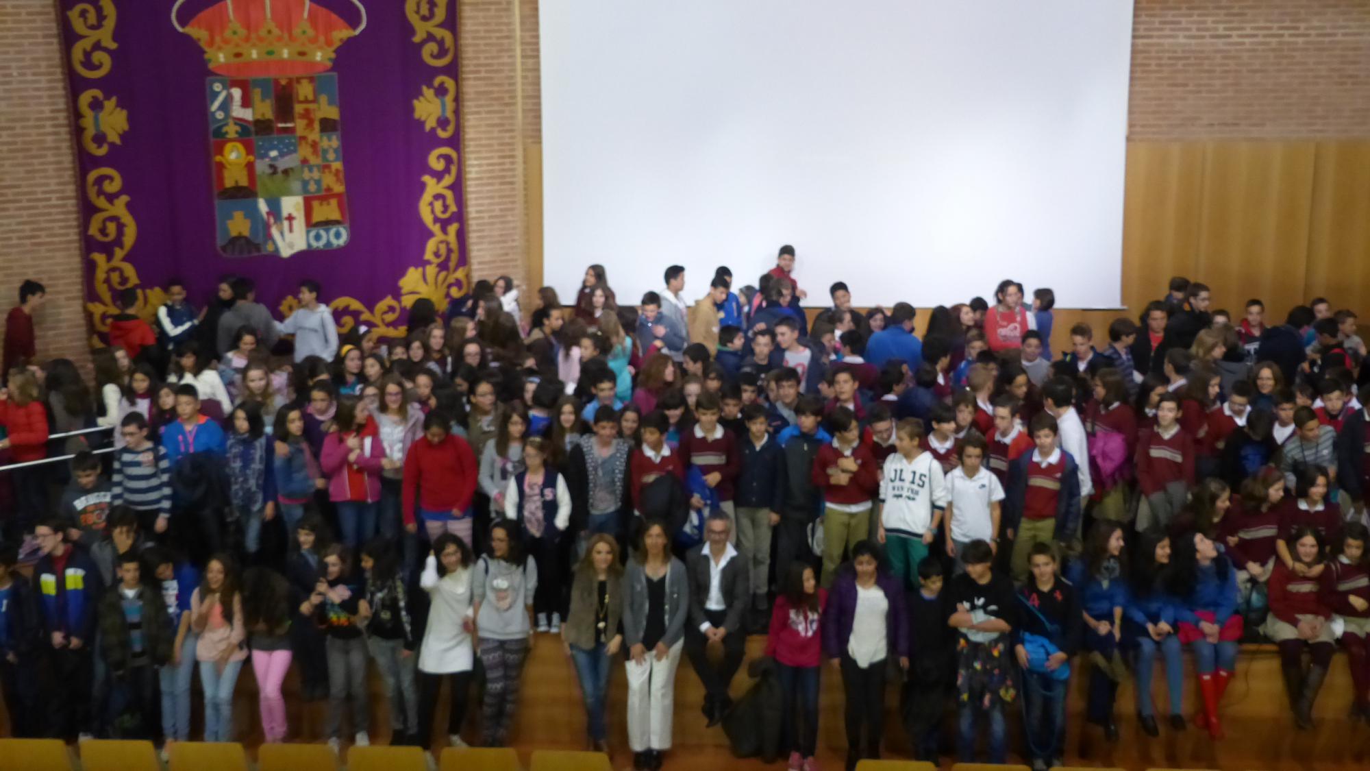 La presidenta de la Diputación disfruta con más de 350 niños del taller de cine de Pedro Solís con motivo del Día de la Infancia