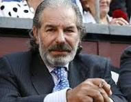 Detienen al ex torero Rafael de Paula por intentar agredir a un abogado con una azada