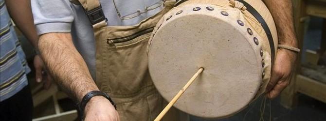La Escuela de Folklore de la Diputación convoca un cursillo de construcción y reparación de zambombas