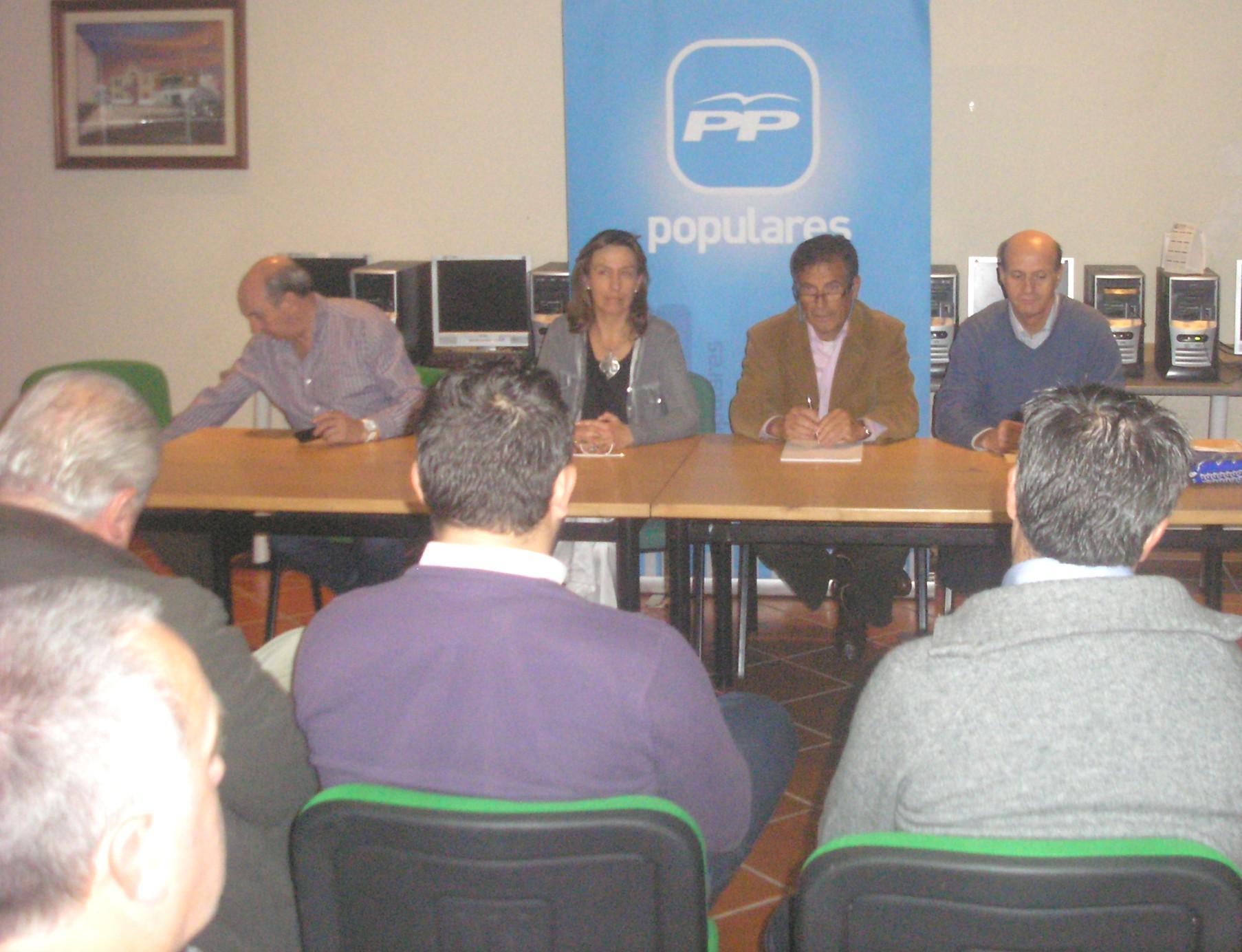 """Guarinos subraya que, gracias a los Gobiernos del PP """"hemos abandonado la recesión y avanzamos en la senda del crecimiento y del empleo"""""""