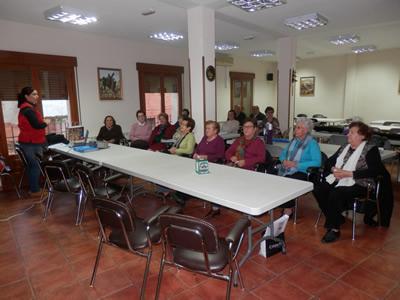 Los mayores de Jadraque han participado en las charlas de Cruz Roja para la promoción del envejecimiento saludable