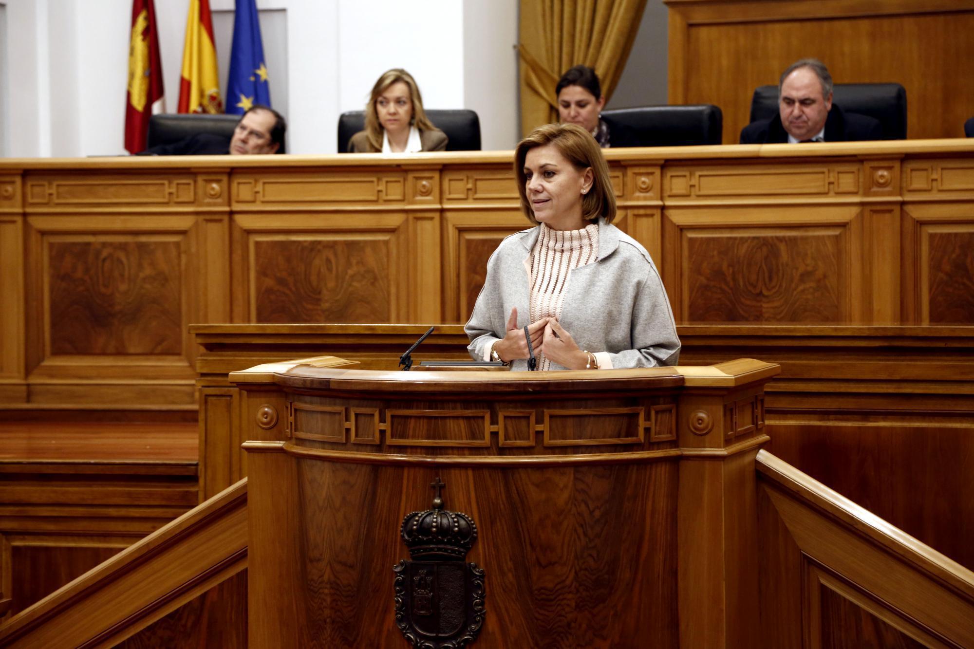 Cospedal anuncia la devolución a los funcionarios de Castilla La Mancha del 25% de la extra de 2012 durante el primer trimestre del próximo año