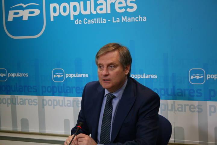 Cañizares defiende que el Gobierno de Cospedal, que cree en la unidad y la solidaridad entre territorios, posibilite la atención sanitaria de castellano-manchegos en Madrid