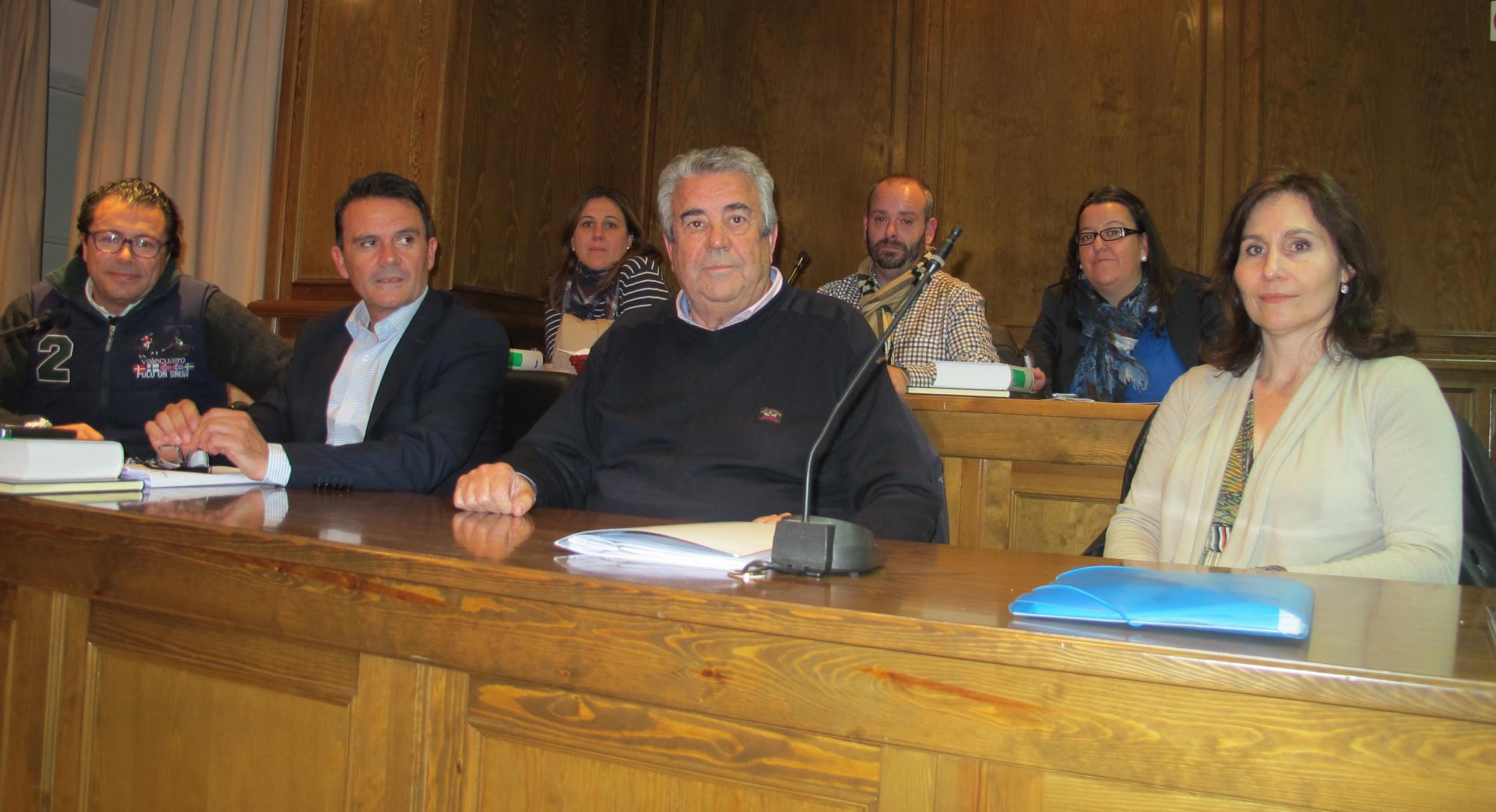 El PP de Alovera pide a la alcaldesa más rigor a la hora de 'conducir' las sesiones plenarias