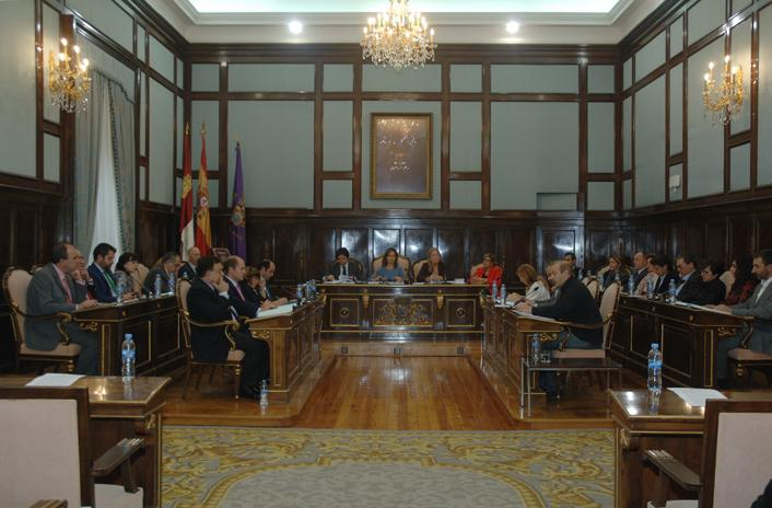 La Diputación reduce en 250.000 euros la presión fiscal a los ayuntamientos