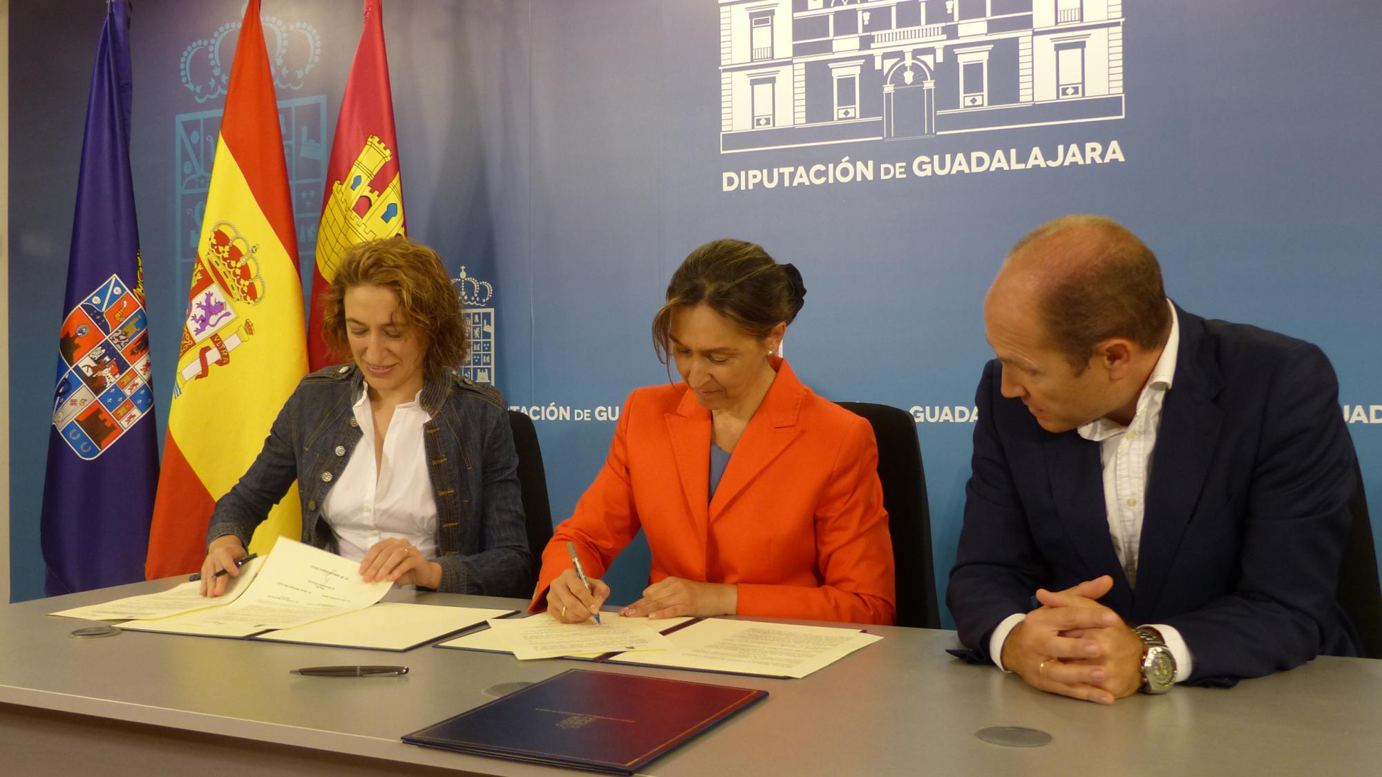 La Diputación ayuda a impulsar la práctica de esgrima en la provincia
