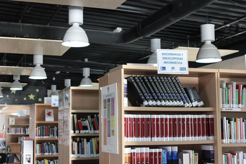 Yebes instala tecnología LED en la biblioteca de Valdeluz para reducir la factura eléctrica en las instalaciones municipales