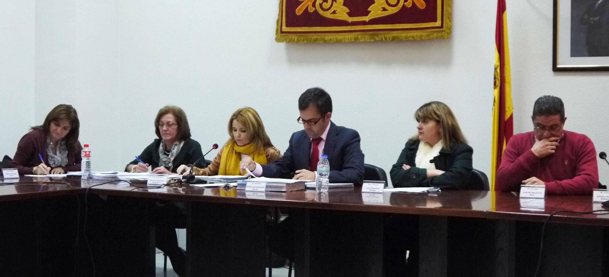 El Ayuntamiento Villanueva de la Torre hace balance en el Pleno sobre las cuentas de 2013 y encuentra motivos para la esperanza
