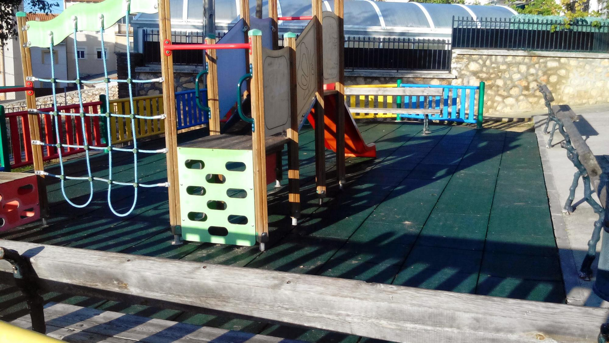 El Ayuntamiento de Horche concluye el acondicionamiento de los tres parques infantiles