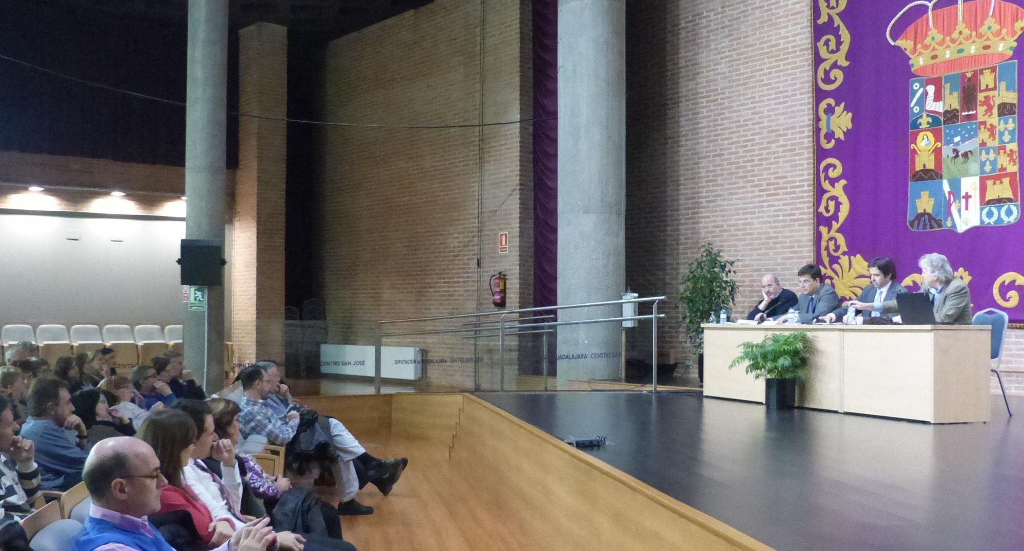 Gran expectación para conocer 'El origen de los neandertales' de la mano de Arsuaga en los Cursos de Otoño de la Diputación y la UAH