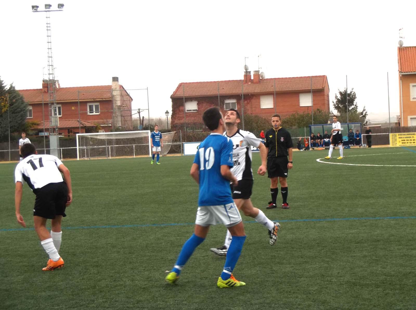 Al Yunquera le costó mucho doblegar al Villanueva de la Torre (3-0)