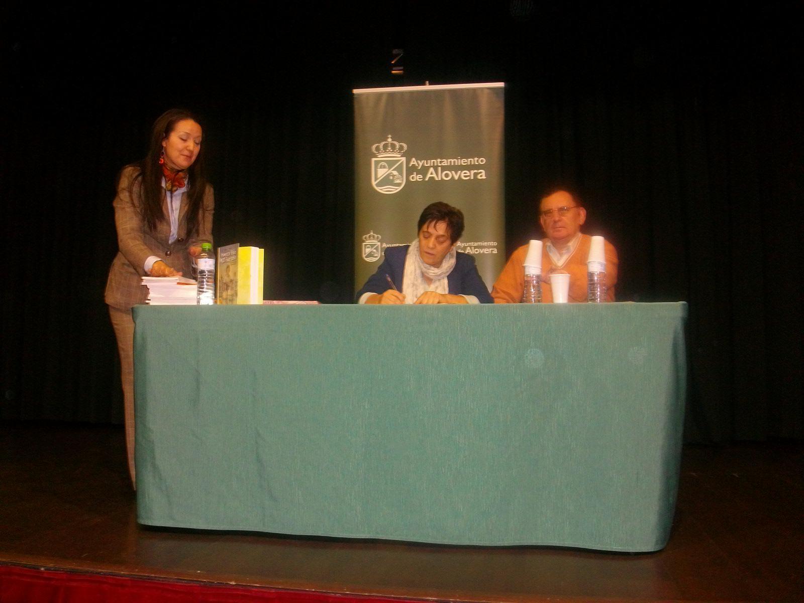 Una escritora de lujo, Pilar Lozano, y un prestigioso ilustrador, Emilio Urberuaga, invitados en la biblioteca de Alovera
