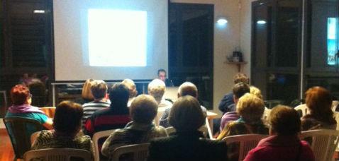 El Centro Social de Villanueva de la Torre acogió una charla sobre el Plan Mayor de Seguridad dirigida a las personas mayores