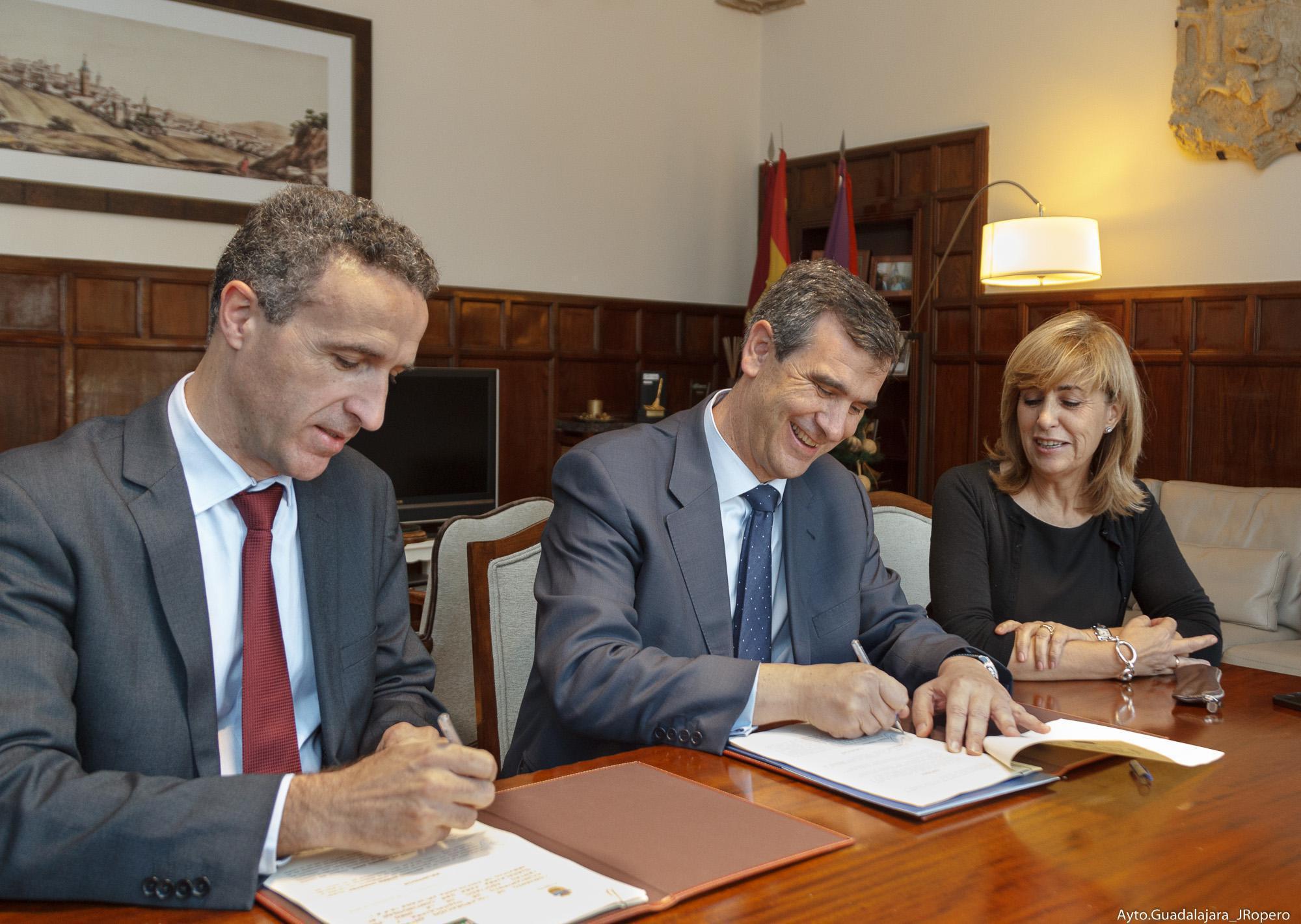 El Ayuntamiento de Guadalajara renueva su convenio con el Centro Asociado de la UNED para dar continuidad al Servicio de Psicología Aplicada