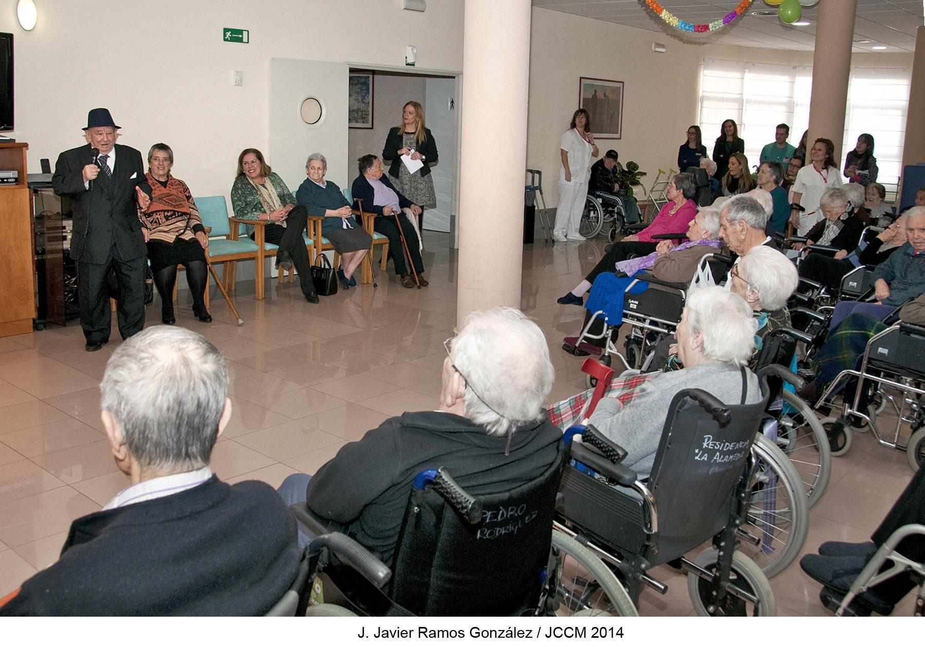 La residencia de mayores La Alameda, de Azuqueca de Henares, celebra su undécimo aniversario