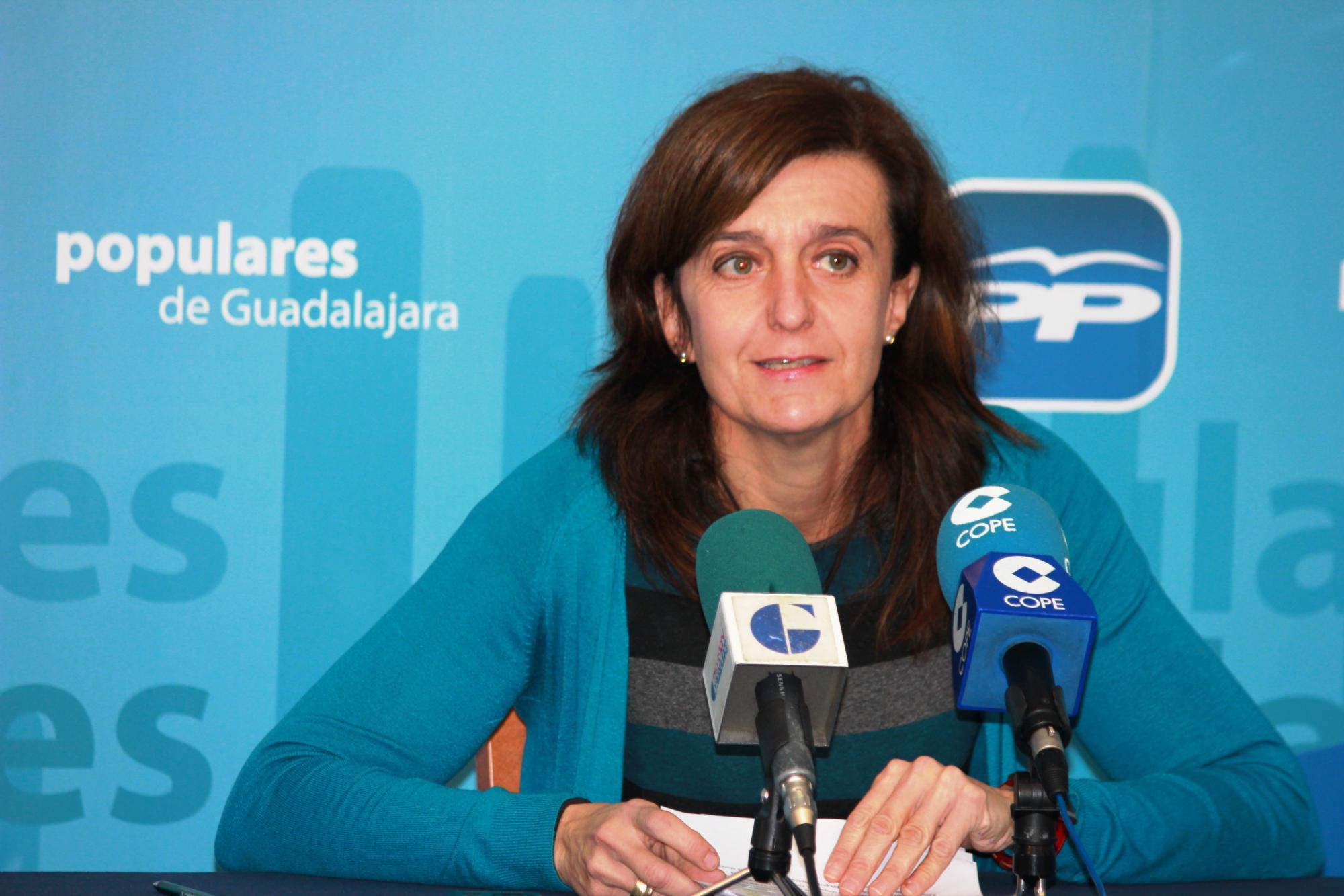 """Ana González: """"Más de 4.000 familias numerosas de Guadalajara se beneficiarán de la rebaja de impuestos del Gobierno"""""""