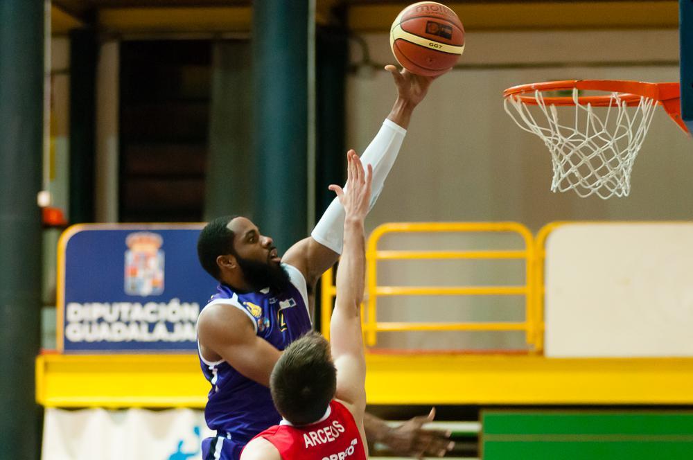 El CEBA arrasa a Araberri y coge fuerzas para una semana de tres partidos