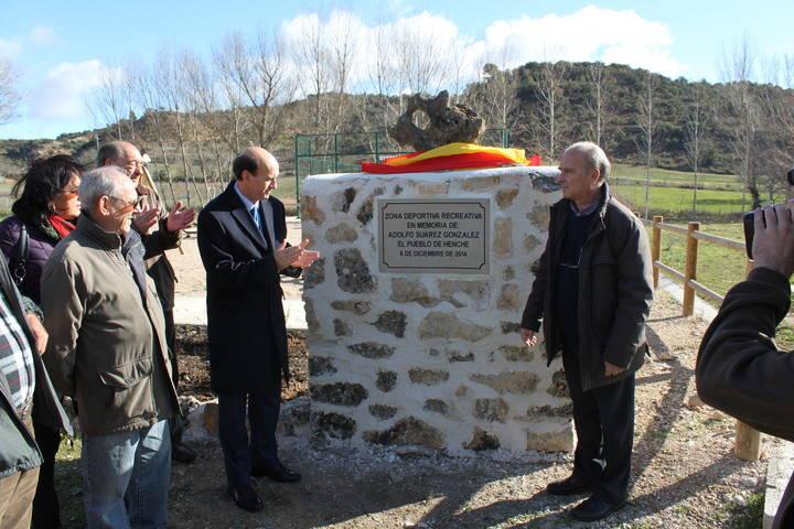 El subdelegado del Gobierno en Guadalajara, asiste a la inauguración de un parque dedicado a Adolfo Suárez en Henche
