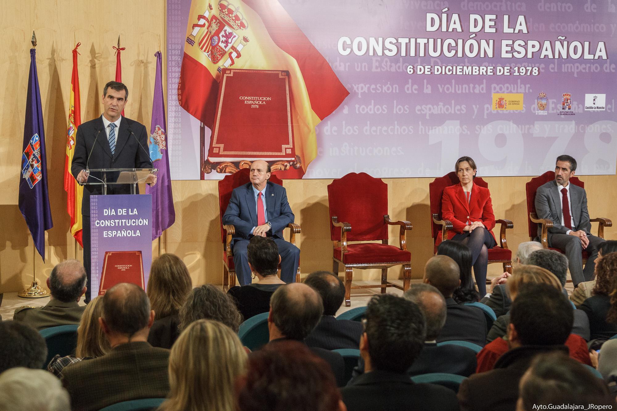 """Román: """"36 años después, depende de los españoles el seguir trabajando por un futuro empapado de la concordia, respeto y sensatez que presidieron ese día"""""""