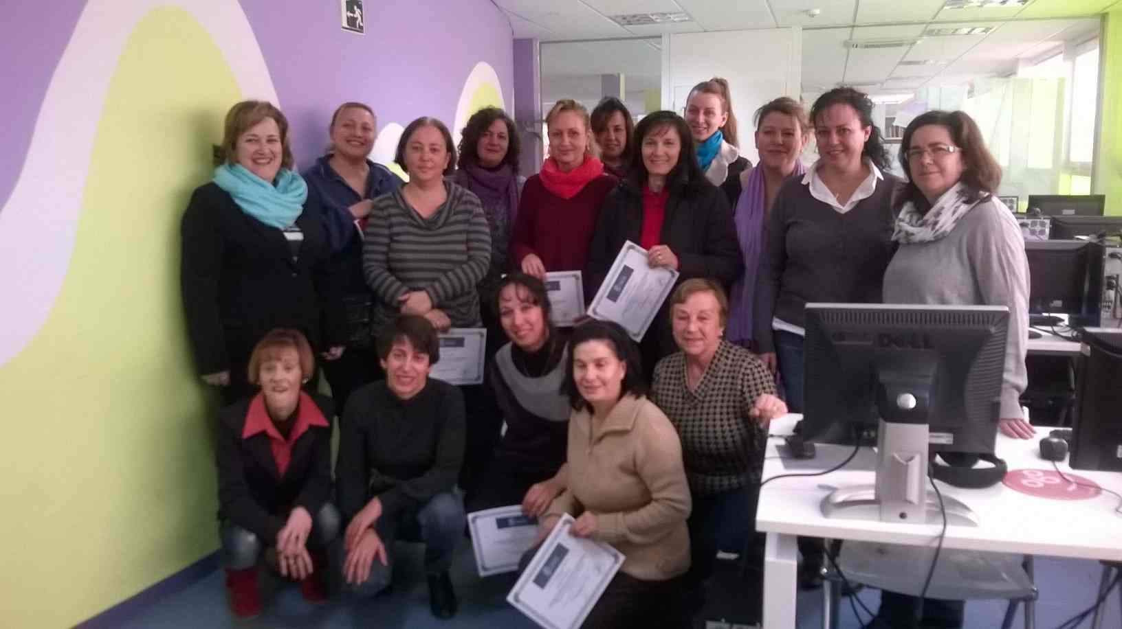 Finalizan los cursos de ofimática del centro de la mujer de Alovera