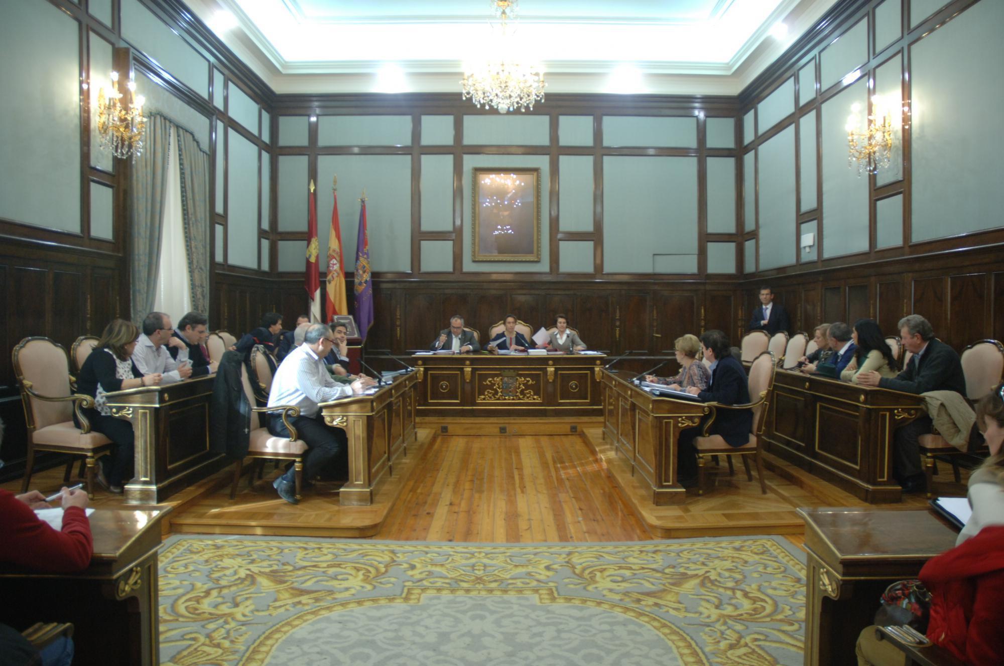 La Diputación incrementa la aportación al Consorcio de Bomberos mejorando el servicio con más inversiones y mejores medios