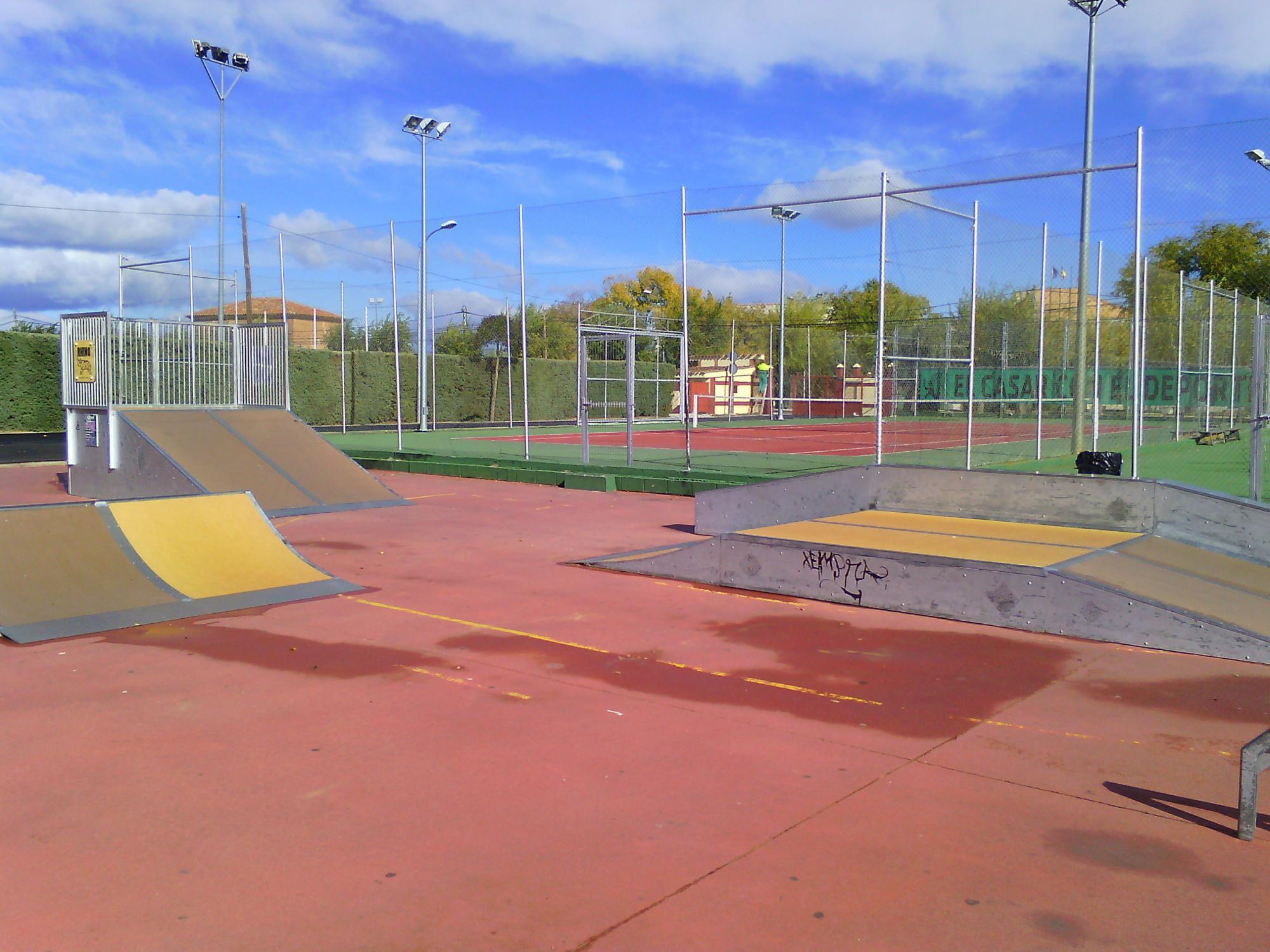 El Ayuntamiento de El Casar renueva las pistas de Skate