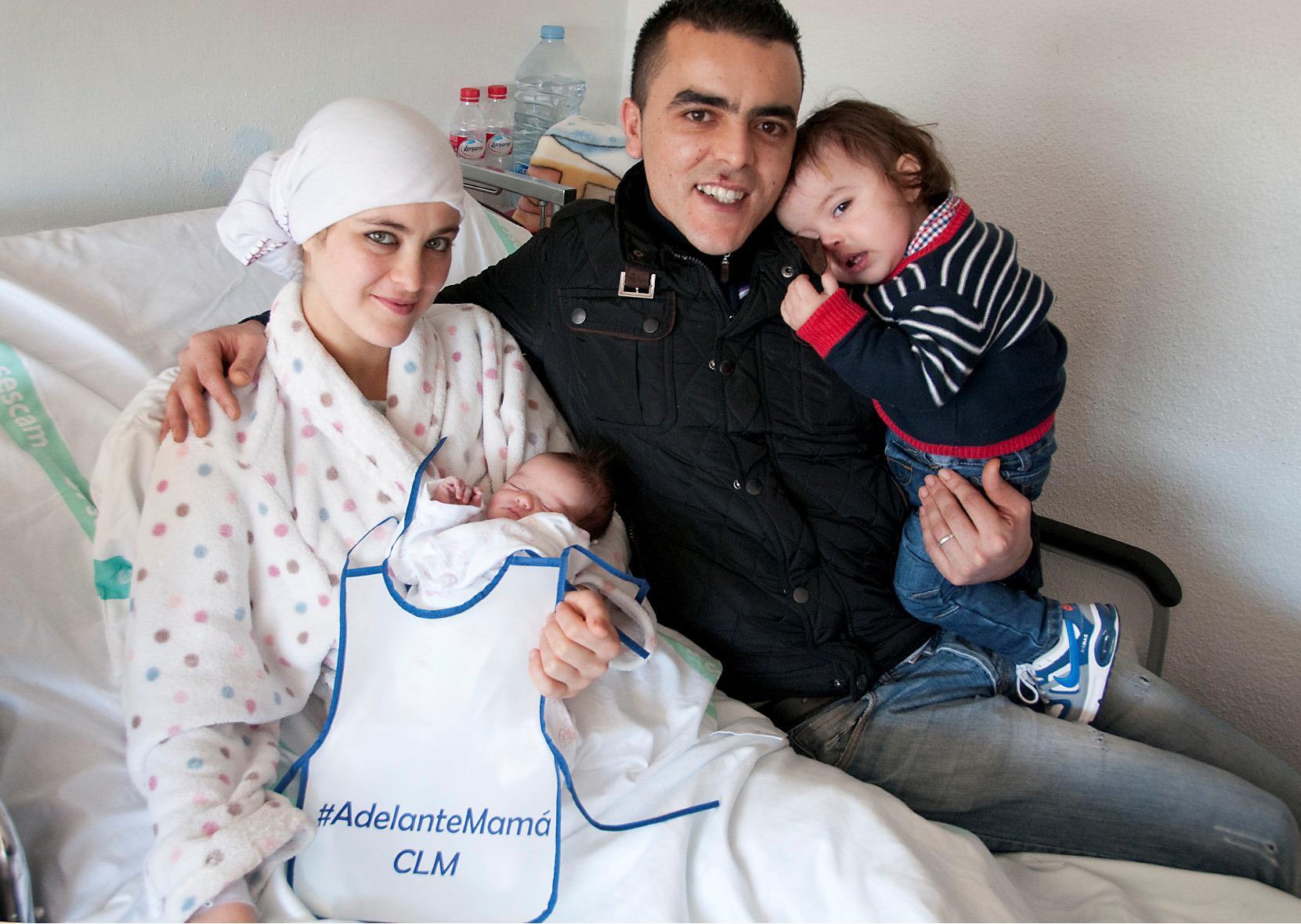 El primer nacimiento en Castilla-La Mancha en 2015 es una niña y es de Guadalajara