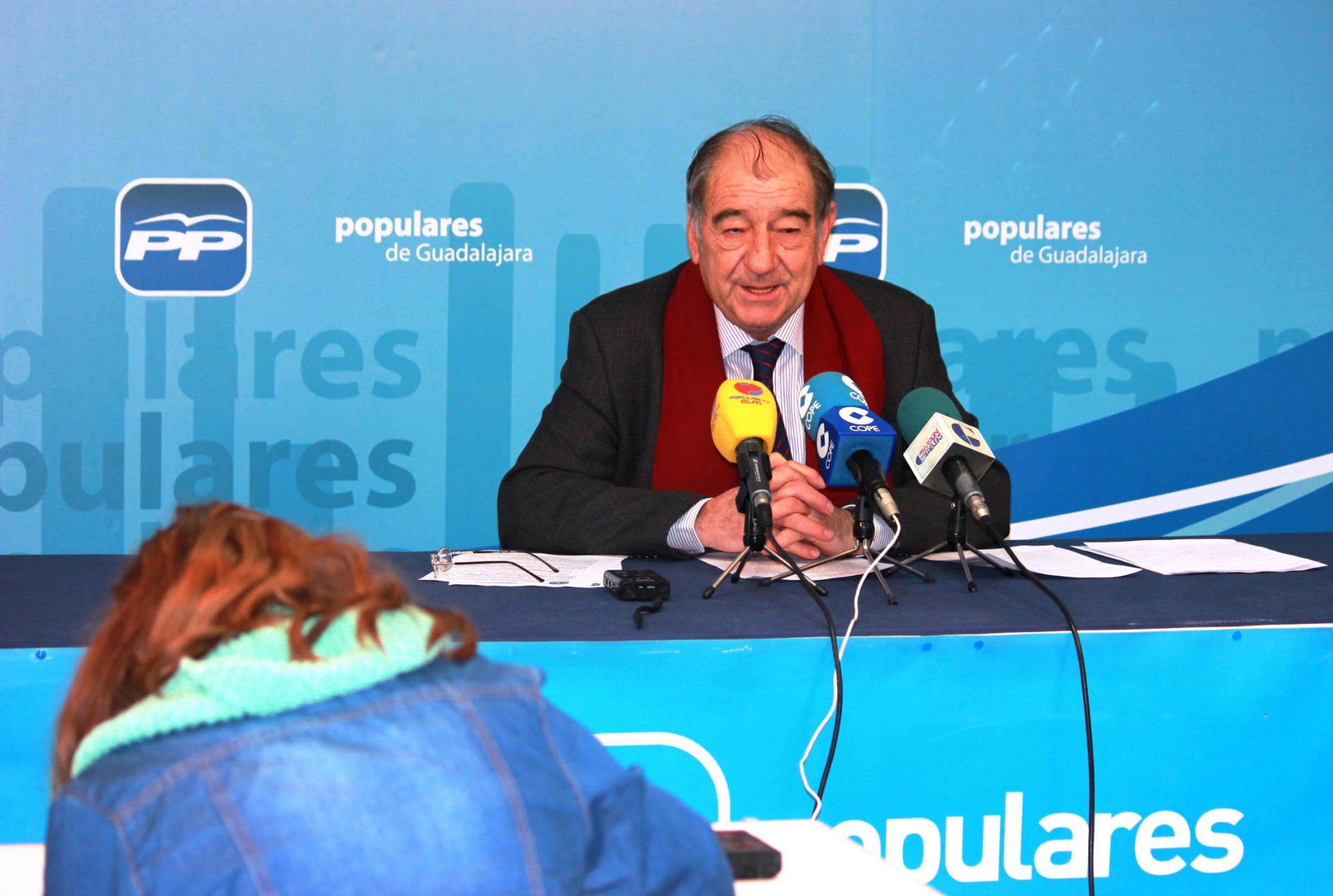 Herrero subraya que gracias a la reforma fiscal del Gobierno las familias numerosas o con discapacitados pueden solicitar desde hoy las ayudas que en su día se aprobaron