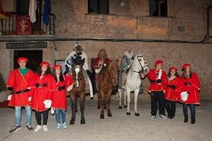 Los Reyes Magos llegaron a caballo a Fuentenovilla