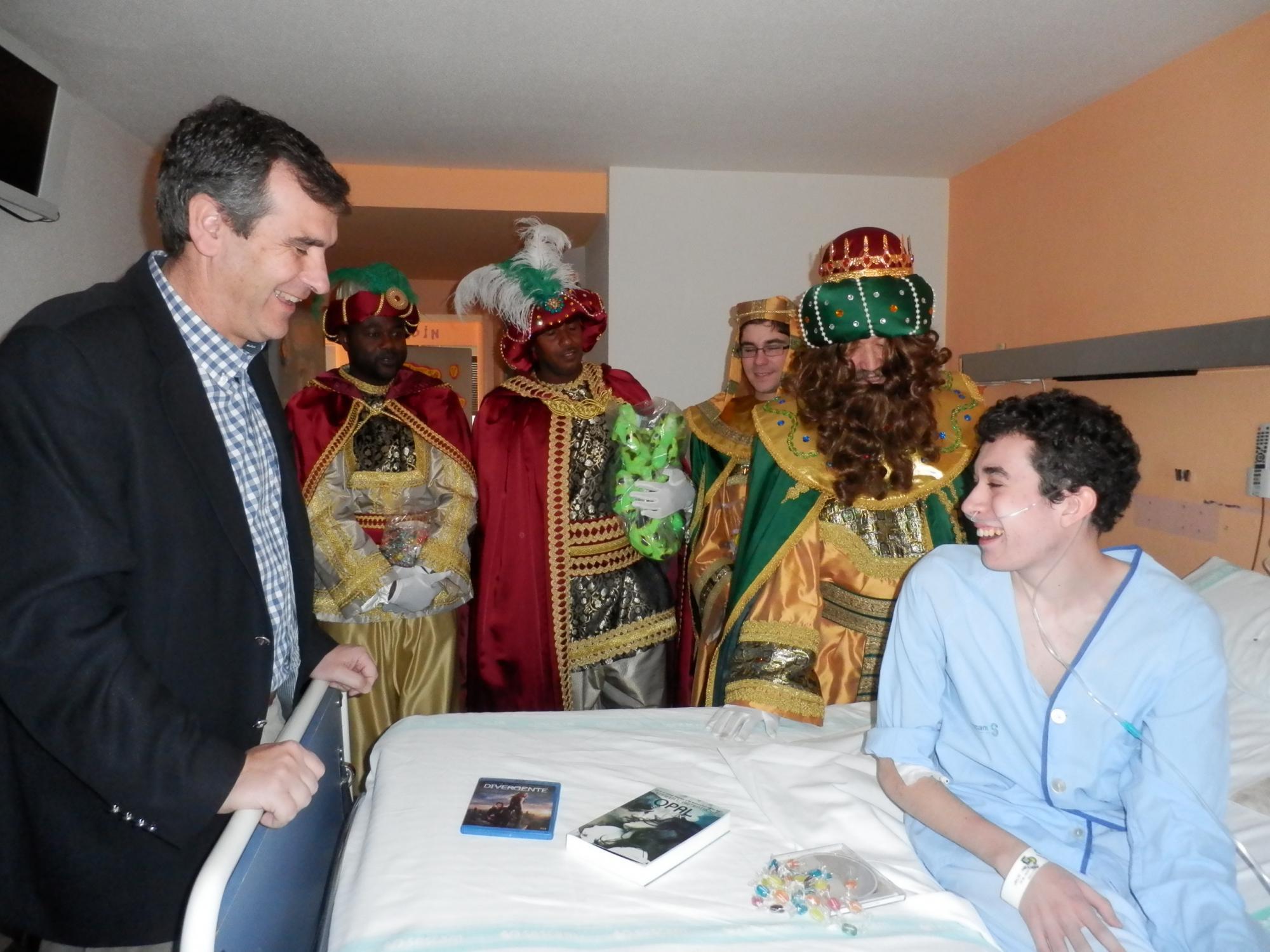 Sus Majestades los Reyes Magos visitan a los pacientes del Hospital de Guadalajara